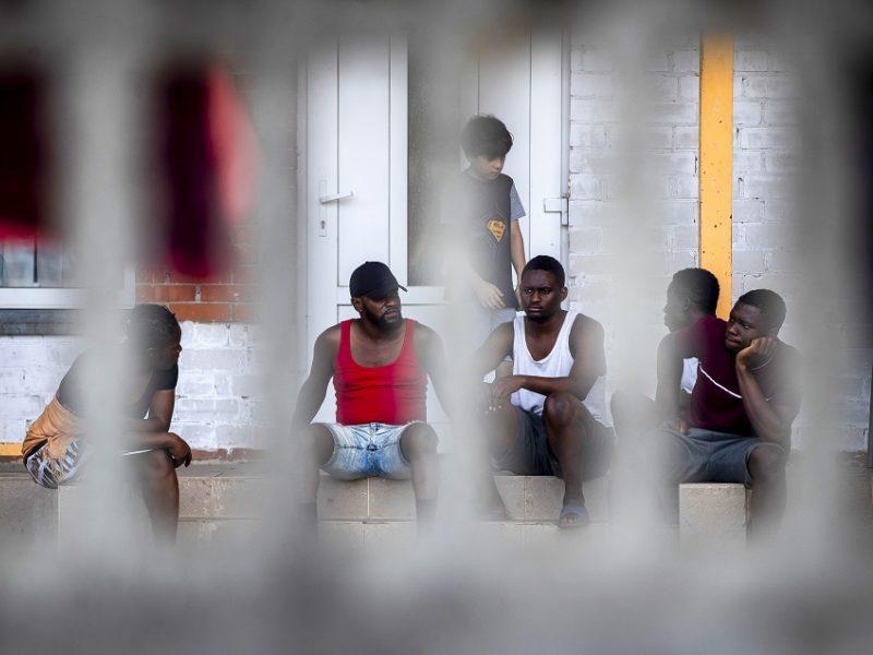 Ministrė: prieglobsčio negavę migrantai arba grįš namo savanoriškai, arba bus deportuoti