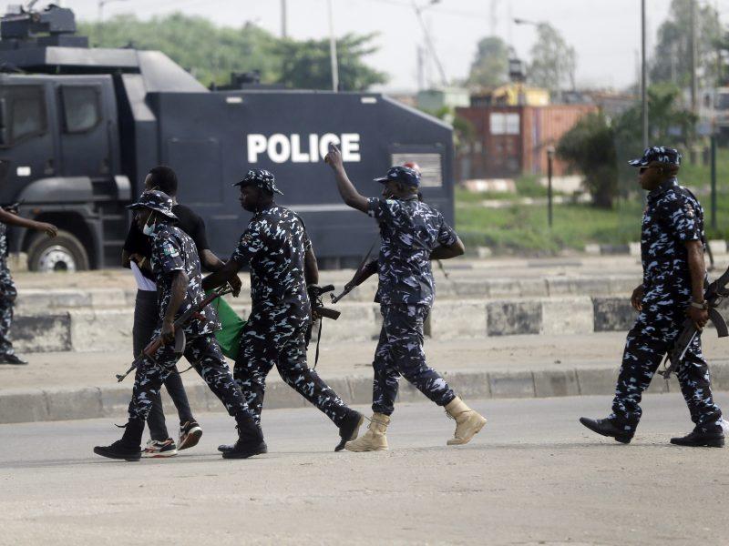 Nigerijoje užpuolikai išlaisvino iš kalėjimo 240 kalinių