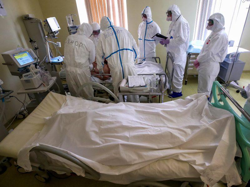 Brazilija trečią dieną iš eilės fiksuoja didžiausią mirštamumą nuo COVID-19
