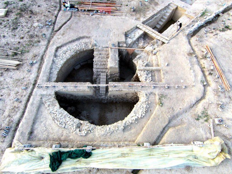 Graikijoje archeologai aptiko du 3 tūkst. metų senumo karališkuosius kapus