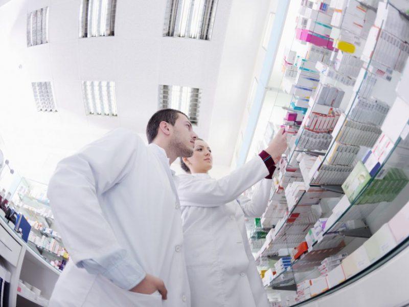 Seimas kol kas nesvarstys valstybinių vaistinių steigimo