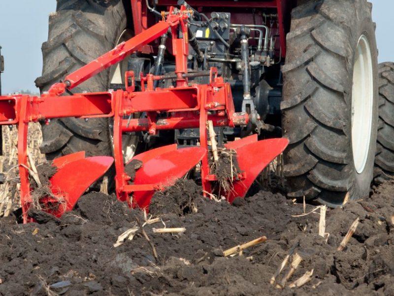 Žemės ūkio padangų tvarkymą siūloma apmokestinti atskirai