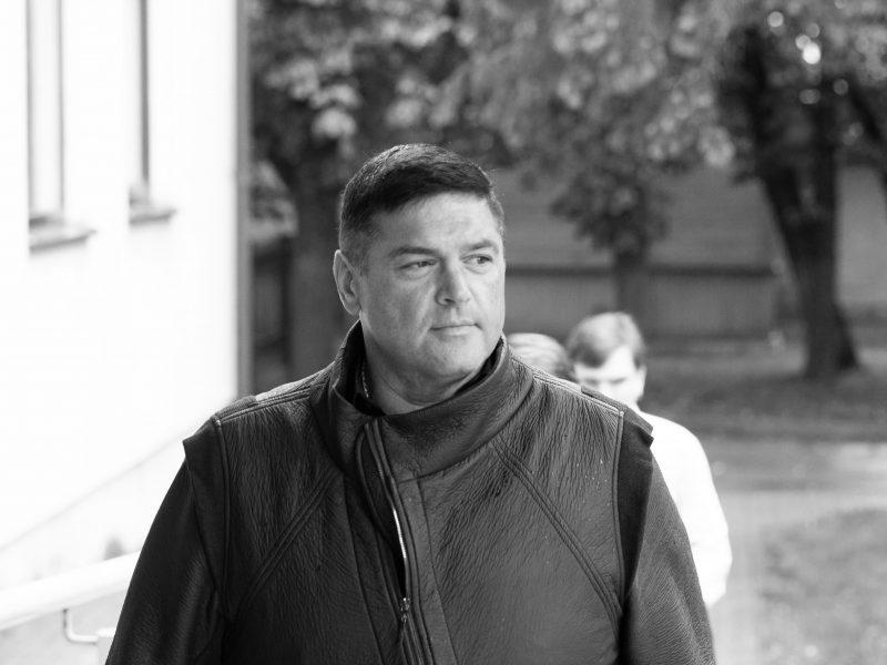 Artimieji pranešė, kada bus galima atsisveikinti su staigiai mirusiu V. Cololo