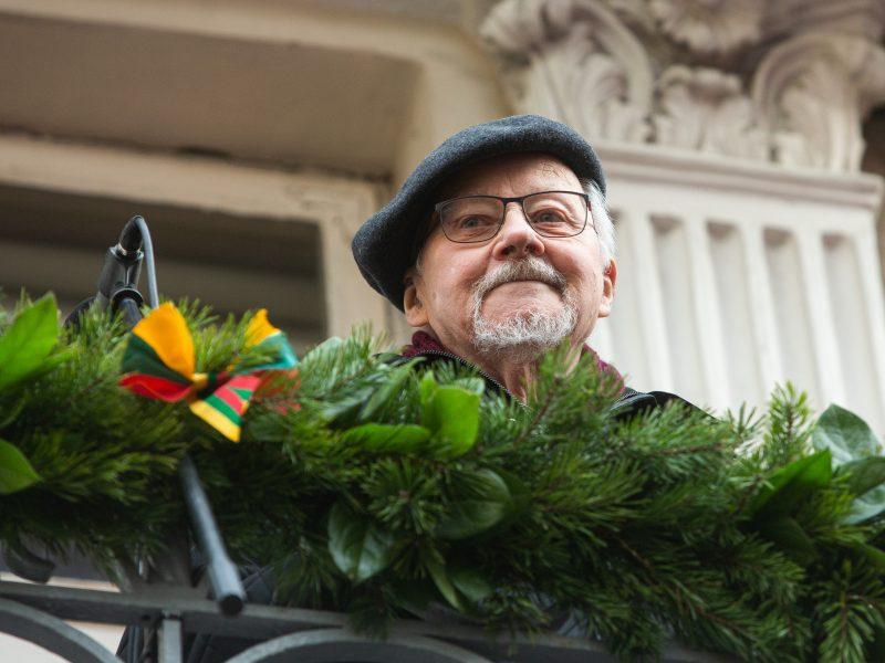 Vasario 16-osios minėjimas prie Lietuvos nepriklausomybės signatarų namų
