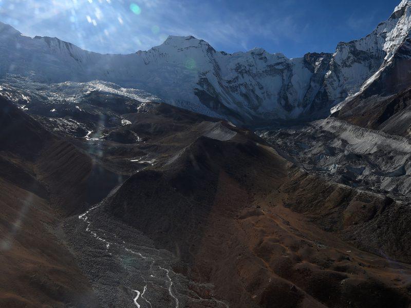 Everesto viršūnėje mokslininkai aptiko mikroplastiko