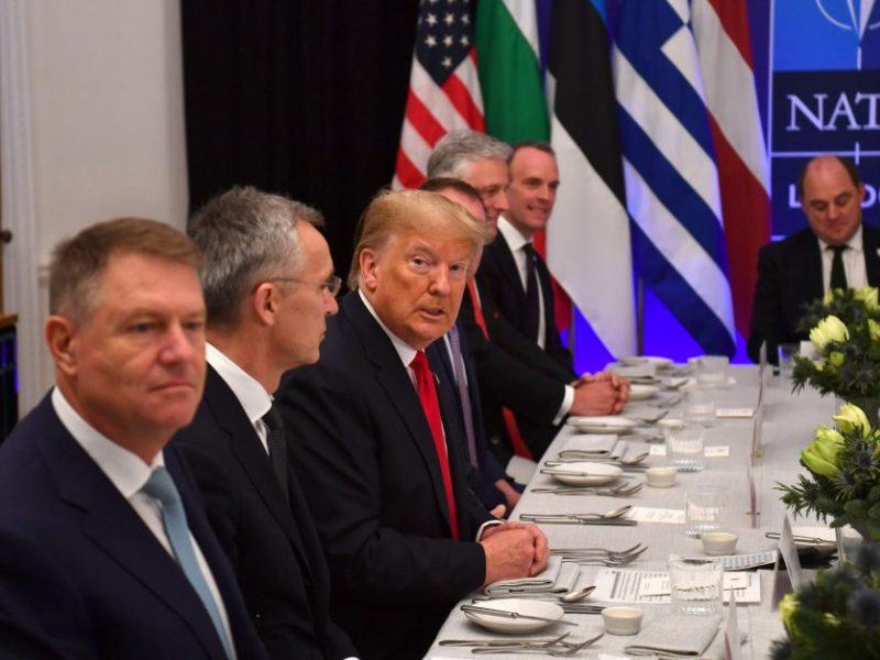 D. Trumpas džiaugiasi savo sėkminga kelione į NATO viršūnių susitikimą