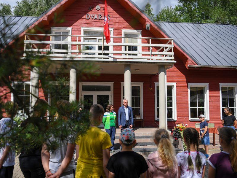 Prezidentas su žmona lankėsi patriotiškumo ir pilietiškumo stovykloje