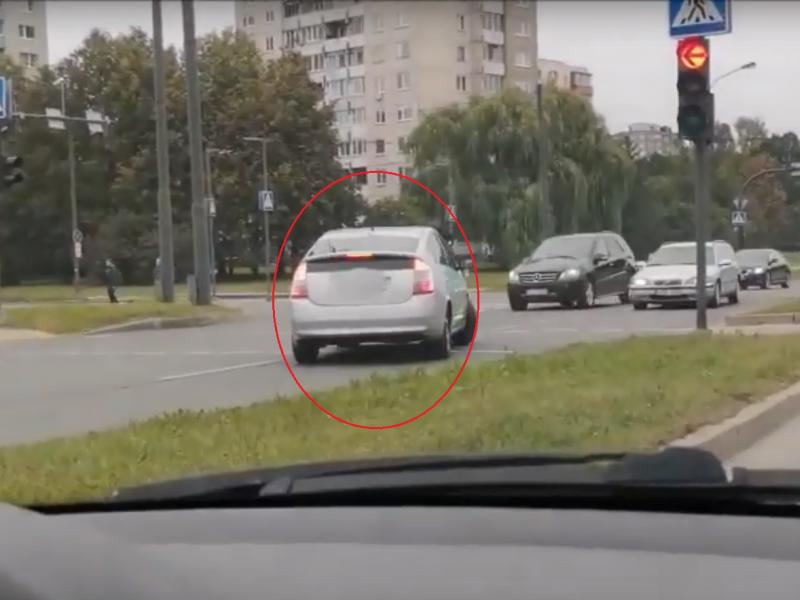 Pasikartoti KET neprošal ir pavėžėjams: važiuoti prieš eismą – draudžiama