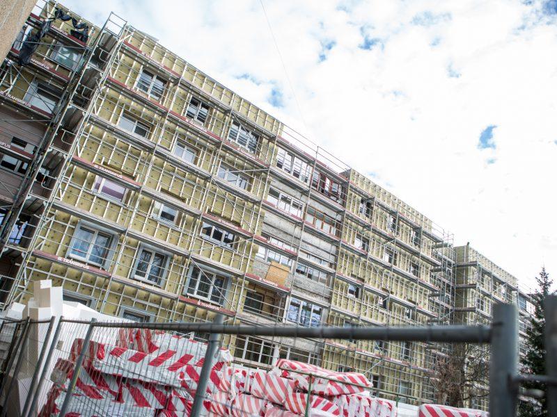 Renovacija atkreipė institucijų dėmesį, o gyventojams kliūva rusiškos apdailos plytelės