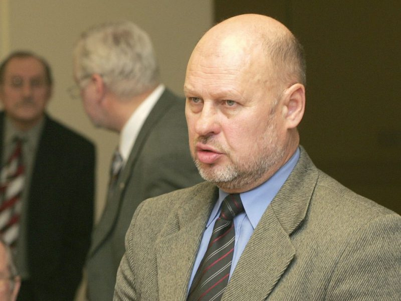 Už piktnaudžiavimą tarnyba nuteistas buvęs Kauno miesto tarnautojas