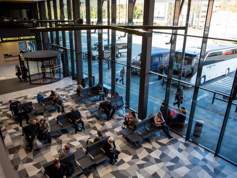 Autobusų stotis laukia keleivių antplūdžio