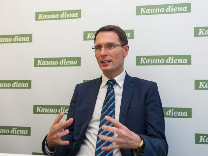 Ministras: atvirumas – tiltas į didesnį visuomenės pasitikėjimą