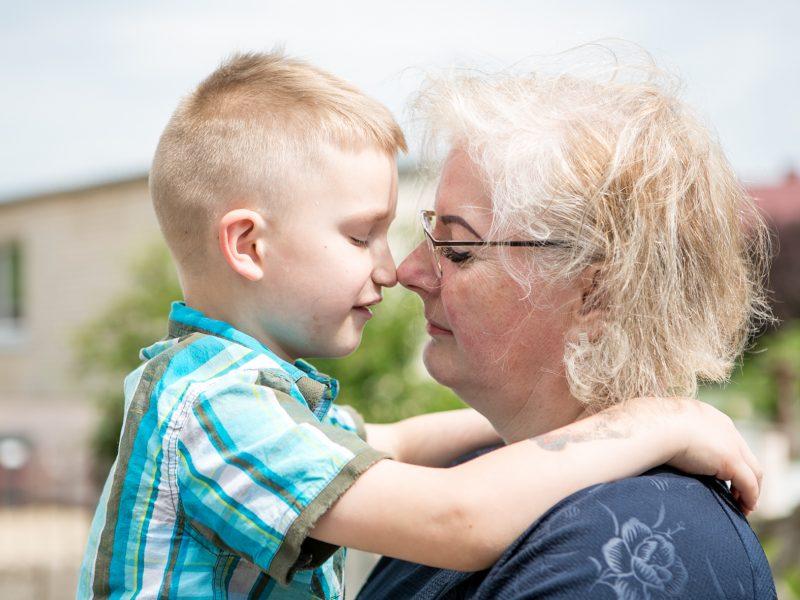 Pasižadėjo padaryti gera kitam – tapo dviejų vaikų globėja
