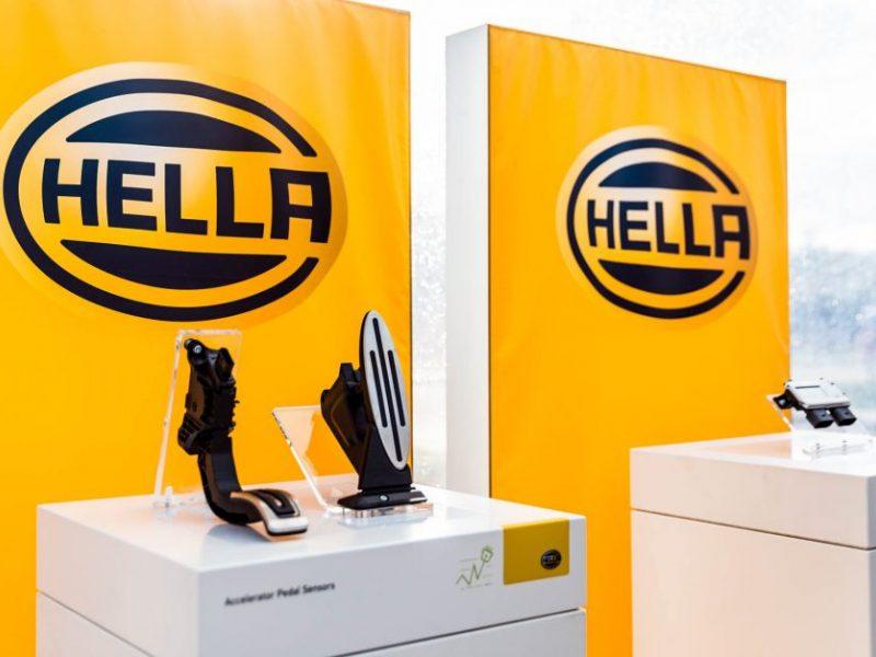 """""""Hella"""" derasi su šveicarais dėl planuojamų gaminti robotų"""