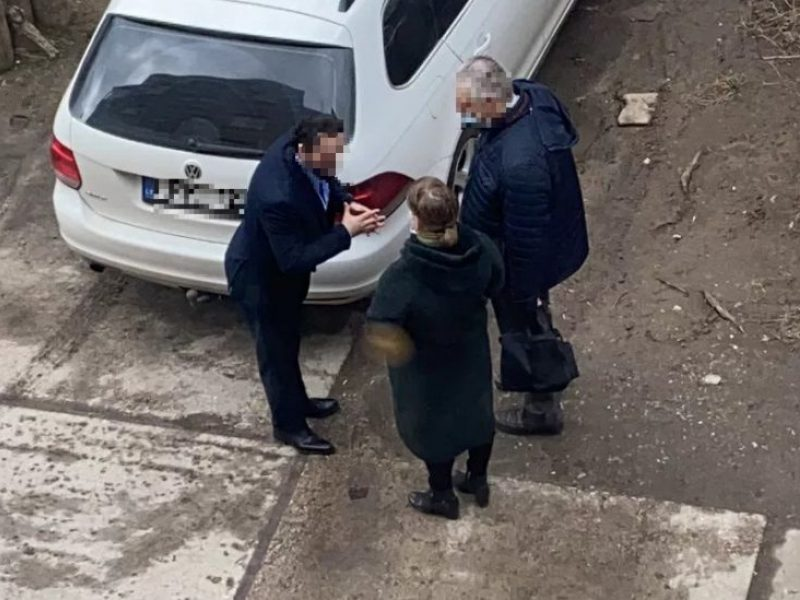 """Po """"Kauno dienos"""" publikacijos sukčiumi susidomėjo policija: puodų pardavėjo laukia sunkūs laikai?"""