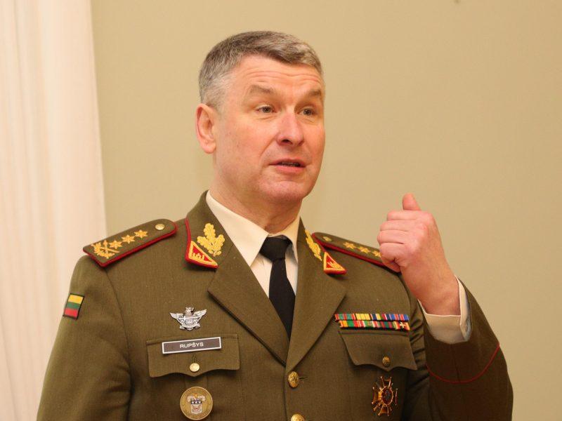 Kariuomenės vadas: situacijai pablogėjus, kariškiai įsitrauktų labiau