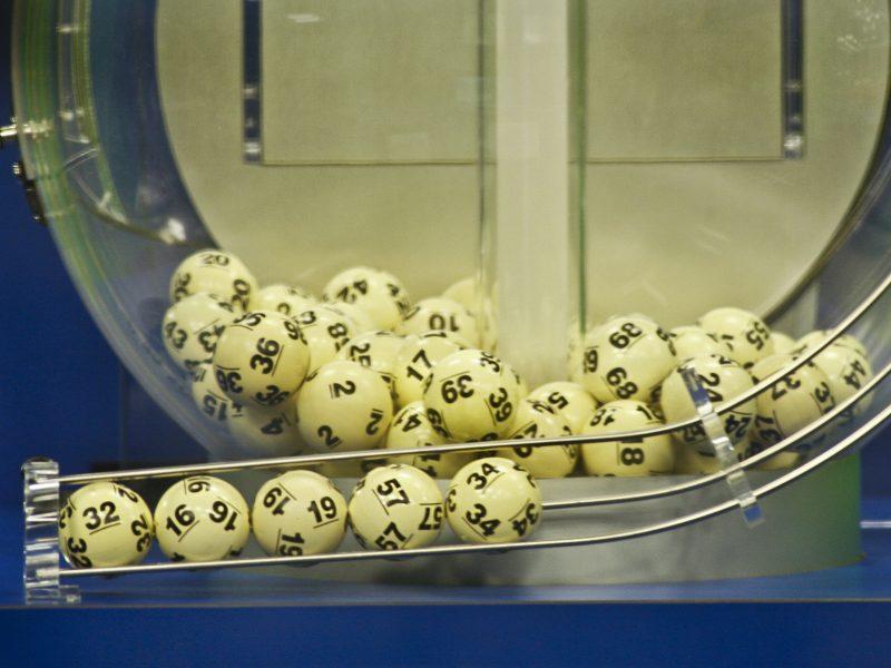 Nuspręsta: loterijų laimėjimai nebus išmokami asmenims iki 16 metų