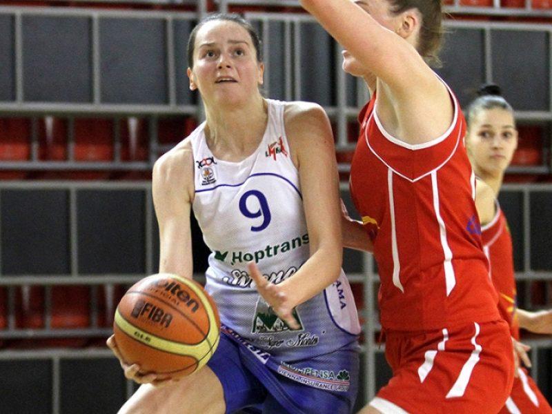 """E. Tarasevičiūtė grįžta į """"Hoptrans-Sirenų"""" komandą"""