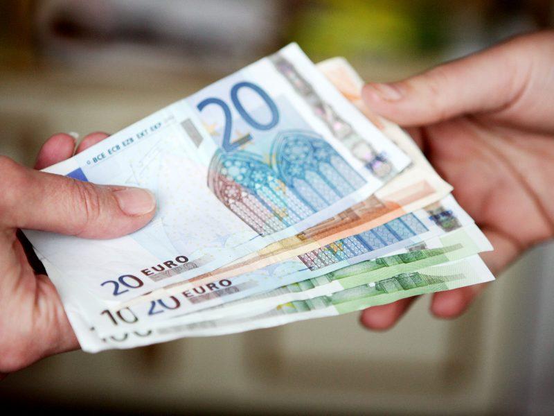 Tyrimas: 88 proc. vyrų skolinimo fakto neįtvirtino jokiu dokumentu