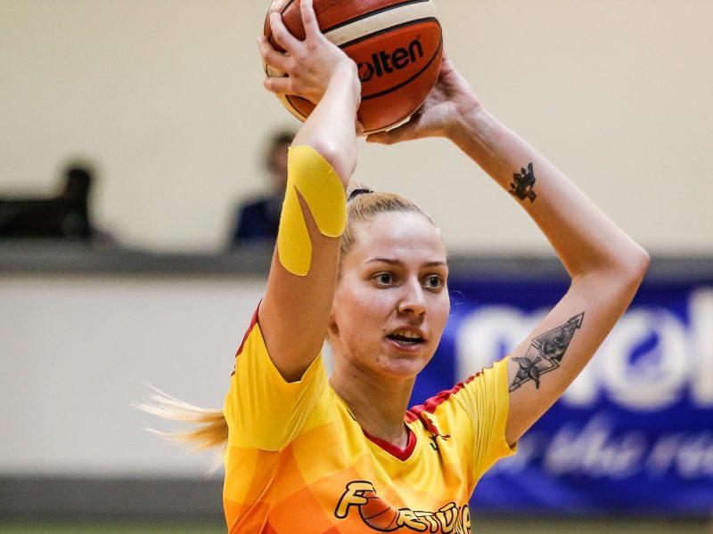 Klaipėdietė baigė karjerą: krepšininkių atlyginimai yra ženkliai mažesni nei vyrų
