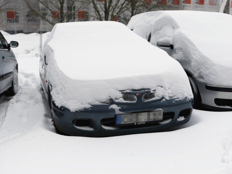 Dėl apleistų automobilių uostamiestyje – bėdos