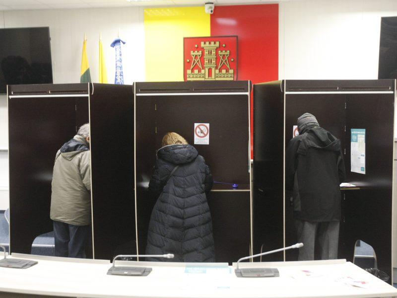 Po skundo – nušalino rinkimų apylinkės komisijos pirmininką