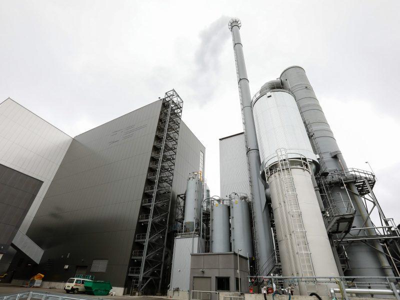 Vietoj atsinaujinančio kuro jau įsigali atliekos