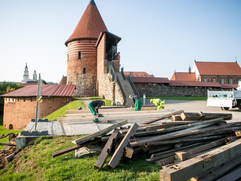 Kauno pilies pėsčiųjų tilto remontas