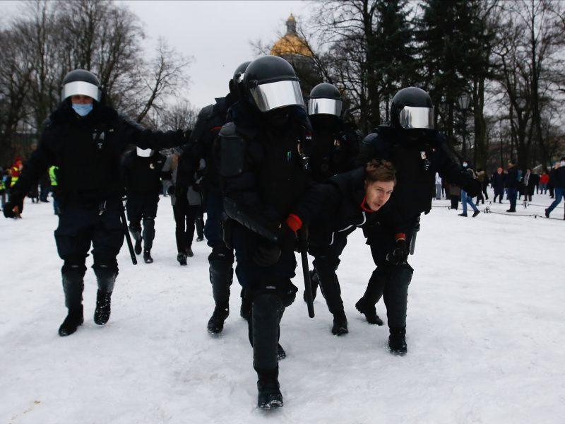 Rusijoje per A. Navalno šalininkų protestus policija sulaikė per 2,5 tūkst. žmonių