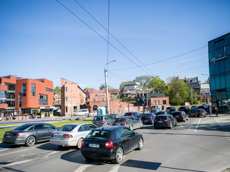 Eismo spūstys prieš Kauno pilies žiedinės sankryžos rekonstrukciją