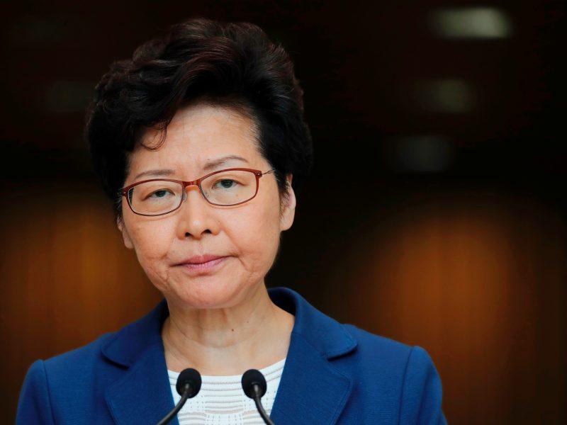 Honkongo lyderė: jei padėtis blogės, gali įsikišti Kinijos kariškiai