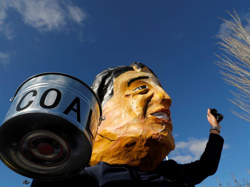 Aktyvistai Madride ir Santjage rengia masines klimato demonstracijas
