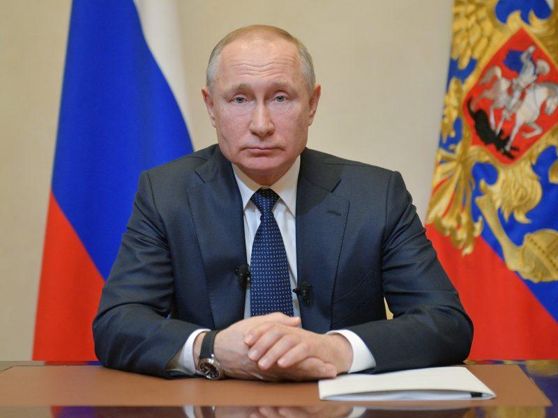 V. Putinas: Rusija gerai tvarkosi su koronavirusu, bet visiškai izoliuotis negali