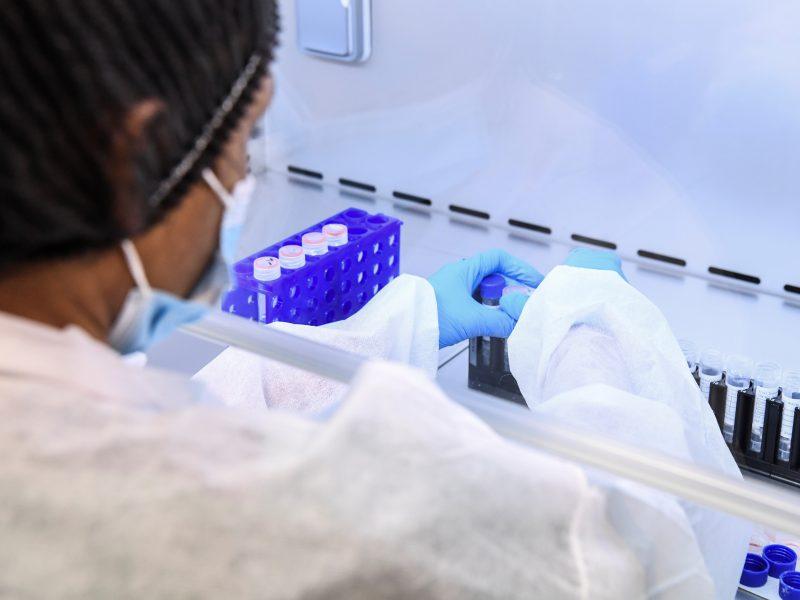Dauguma naujų koronaviruso atvejų – iš anksčiau nustatytų židinių