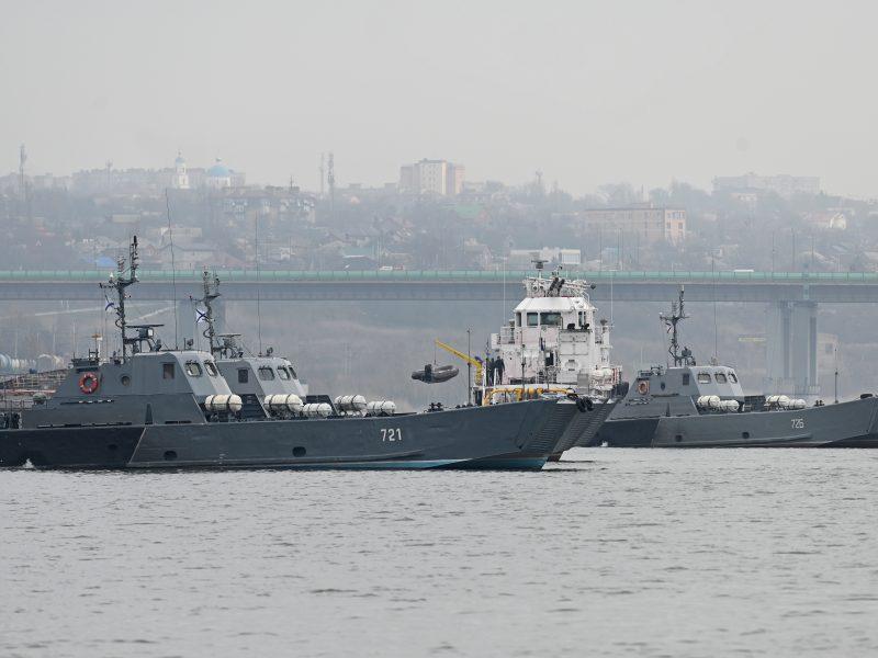 Rusija pusmečiui uždarys kai kurias Juodosios jūros akvatorijas, planus smerkia ES ir NATO