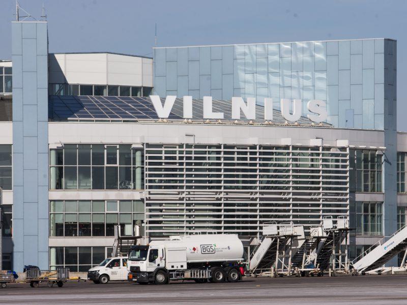 Ištuštėję Lietuvos oro uostai žada išsaugoti darbuotojus