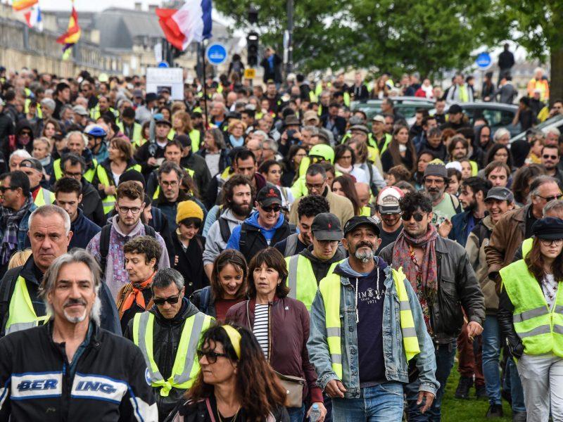 """""""Geltonųjų liemenių"""" protestas Prancūzijoje silpsta?"""