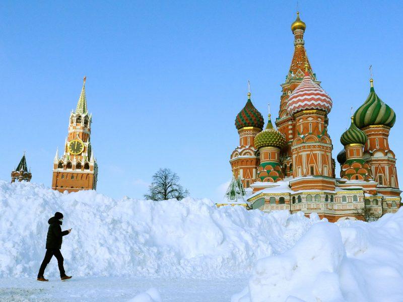 Rusija pranešė užregistravusi trečiąją vakciną nuo COVID-19