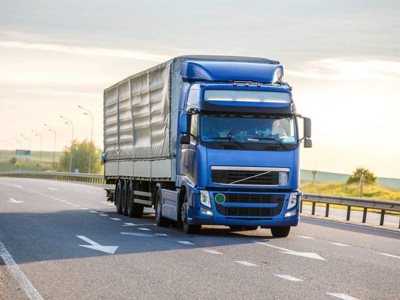 Vežėjai jaučiasi diskriminuojami: neduoda krovinių, jei vairuotojas ne ES pilietis
