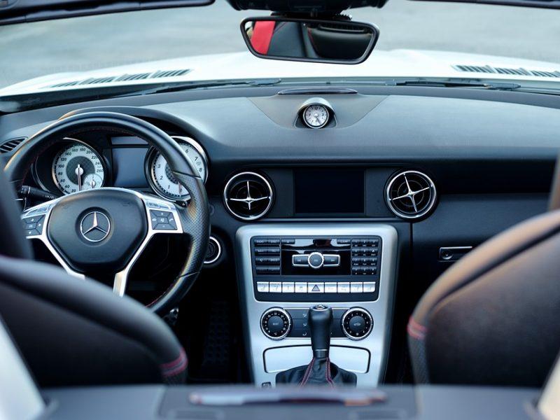 Bankas: lizingas – populiaresnis būdas įsigyti automobilį nei paskolos