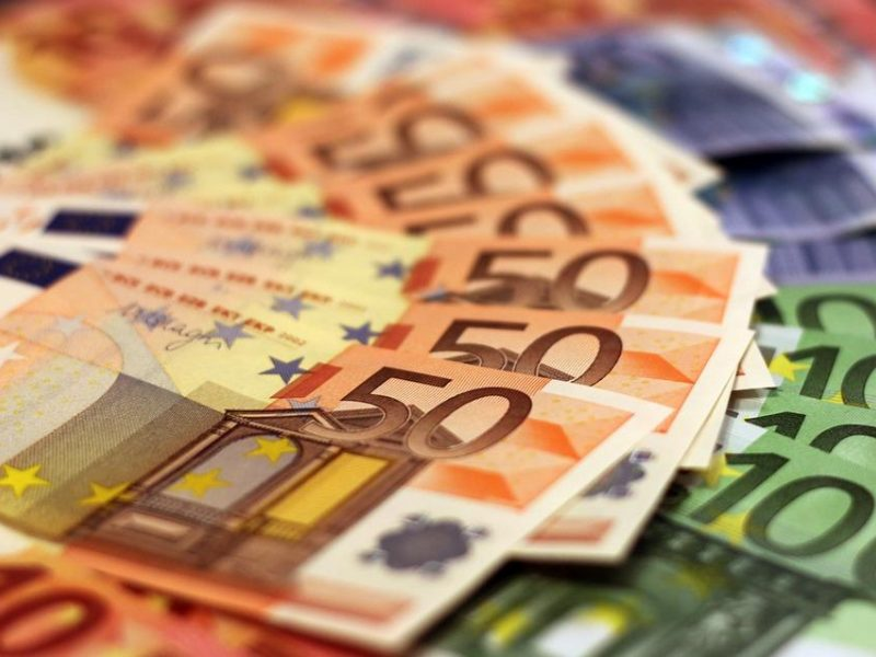 Seimo komitetas – už 20 proc. bankų pelno mokestį