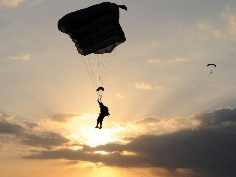 Parašiutininkas per incidentą Šilutės rajone nenukentėjo