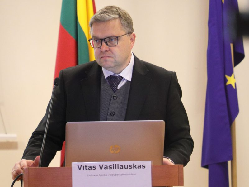 Prognozė: Lietuvos ekonomika šiemet gali smukti 3-21 proc.