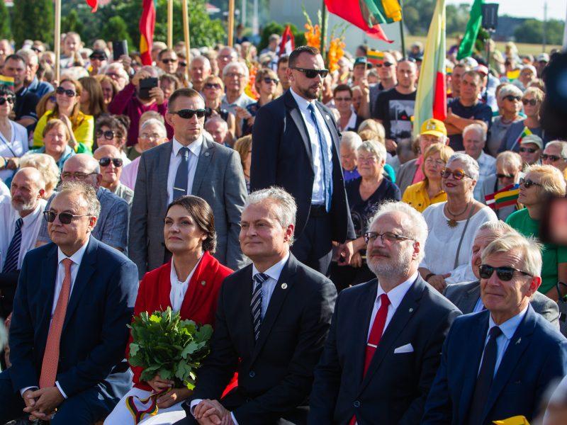 Baltijos kelio 30-ųjų metinių minėjimas prie Latvijos sienos