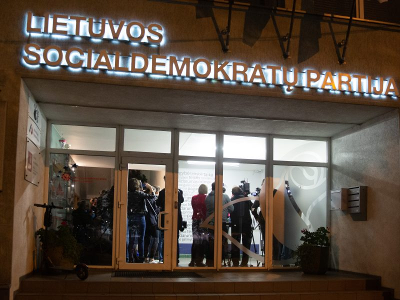 Socialdemokratai pailgino ir pavėlino pirmininko rinkimus