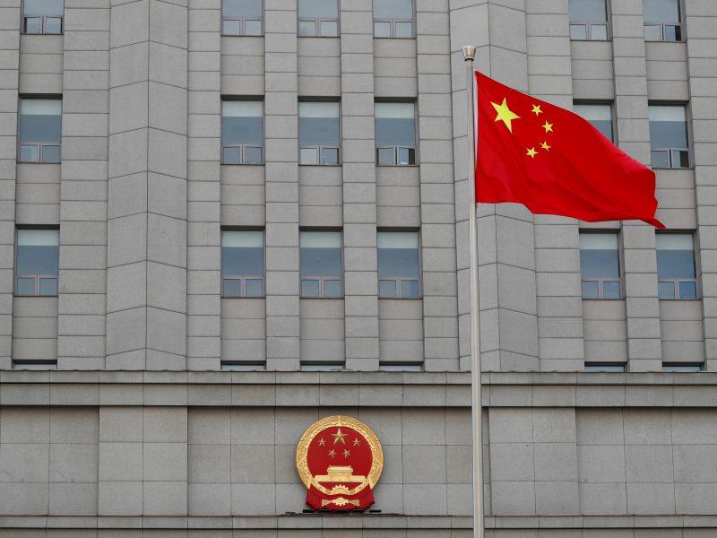 Kinija priėmė kovai su užsienio sankcijomis skirtą įstatymą