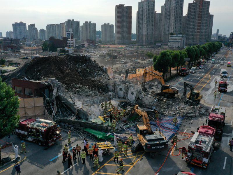 Pietų Korėjoje sugriuvus pastatui žuvo devyni žmonės