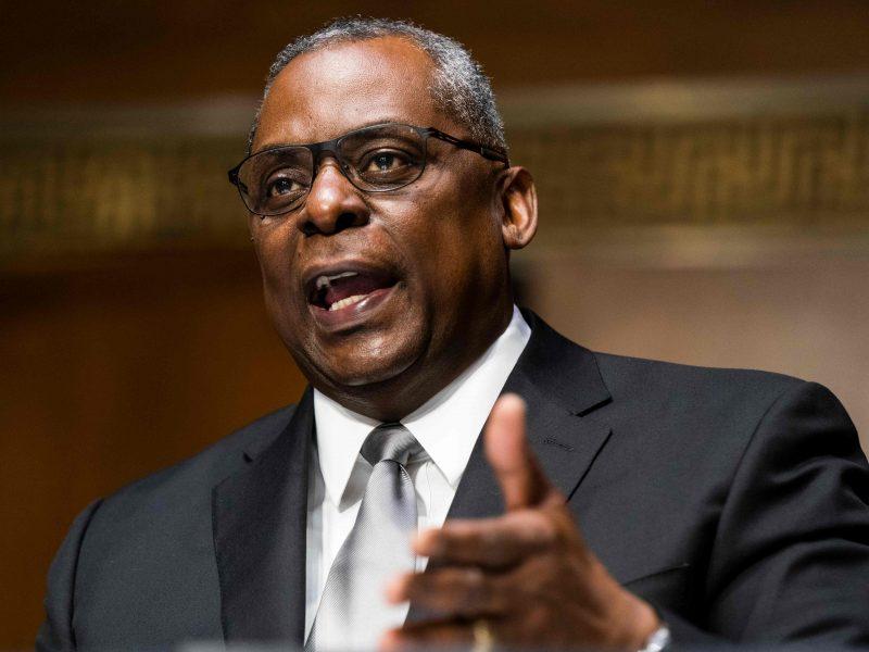 JAV Senatas patvirtino Ll. Austiną pirmuoju juodaodžiu Pentagono vadovu