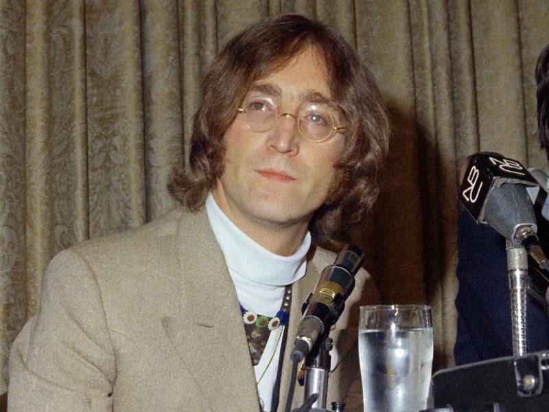 Danijoje aukcione bus parduodamas nežinomas J. Lennono kūrinys