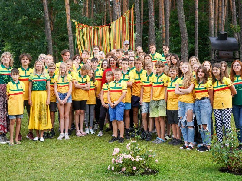 """D. Nausėdienė lankėsi lituanistėje stovykloje """"Pasaulio Lietuva"""""""